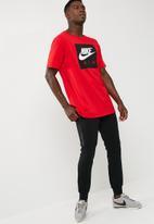 Nike - Drop tail crew tee
