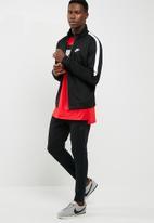 Nike - Tribute sweat top