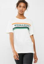 ONLY - Womanish tee