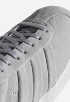 adidas Originals - Gazelle Stitch & Turn W