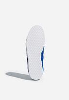 adidas Originals -  Gazelle Stitch & Turn