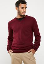 basicthread - Basic vee neck slim fit knit