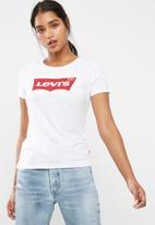 Levi's® - Slim crew neck tee