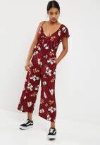 68688952095c Wide leg one shoulder ruffle jumpsuit - Burgundy Base Floral ...
