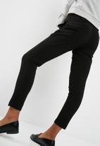 Jacqueline de Yong - Dakota belted pants