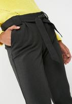 Jacqueline de Yong - Dakota belted pants