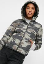 Jacqueline de Yong - Ash camo nylon jacket