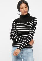 Jacqueline de Yong - Adele high neck sweater