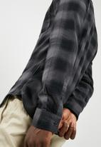 Only & Sons - Flaw regular fit shirt