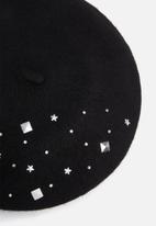 dailyfriday - Paula embellished beret