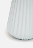 Grey Gardens - Empire vase