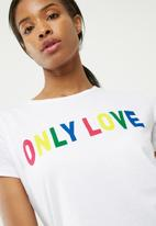 dailyfriday - Only love tee