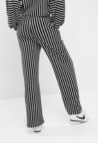 dailyfriday - Knit pull on pants