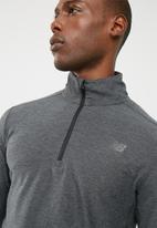 New Balance  - Transit 1/4 zip pullover