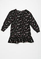 dailyfriday - Dropped waist dress