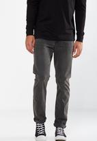 Cotton On - Slim fit jean