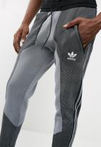 adidas Originals - Deerupt track pant