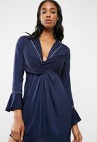 Missguided - Wrap binding shift dress