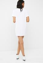 Missguided - 2-pack v-neck t-shirt dress