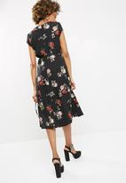 dailyfriday - Printed midi wrap dress