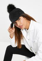 dailyfriday - Pom pom velvet cap - black