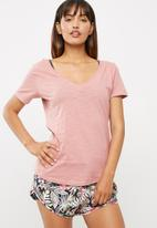Cotton On - The deep v tee