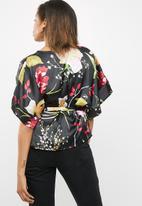 Vero Moda - Jessica wrap kimono top