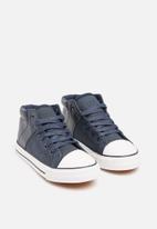 Foot Focus - Kids hi top sneakers