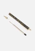 Typo - Buffalo pen