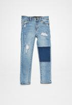 Cotton On - Kids marshall slim leg jean