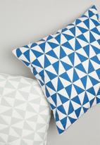 Grey Gardens - Zodiac cushion cover