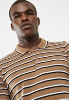 basicthread - Stripe knit polo