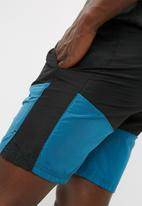 basicthread - Mesh panel blocked shorts