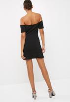 Missguided - V bardot flippy hem mini dress
