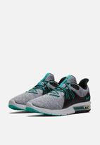 Nike - Air Max Sequent 3 Running