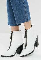 Sol Sana - Axel boot
