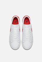 Nike - Blazer Low LE