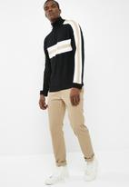 Bellfield - Striped zip neck jumper