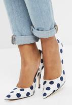 Public Desire - Tease stiletto court heel