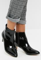 Public Desire - Atomic pointed toe kitten boot