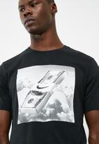 Nike - Nsw Table tee