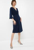 dailyfriday - Batwing sleeve midi dress