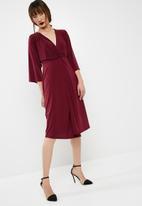 dailyfriday - Batwing sleeve midi dress