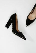 Missguided - Stud detail block heel pointed court shoe