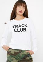 New Balance  - Essentials track club crew sweat
