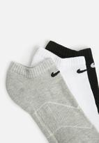 Nike - 3 Pack cushion no show socks