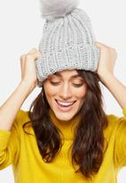 Cotton On - Lola pom pom beanie