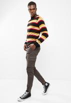 basicthread - Stripe lightweight pullover