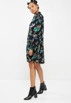 dailyfriday - Swing shirt dress