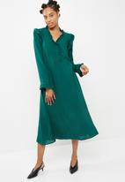 dailyfriday - Ruffle collar midi shirt dress